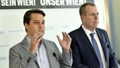 FPÖ-Spitzenkandidat Dominik Nepp (l.) und Wahlkampfleiter Harald Vilimsky (Bild: APA/HERBERT NEUBAUER)