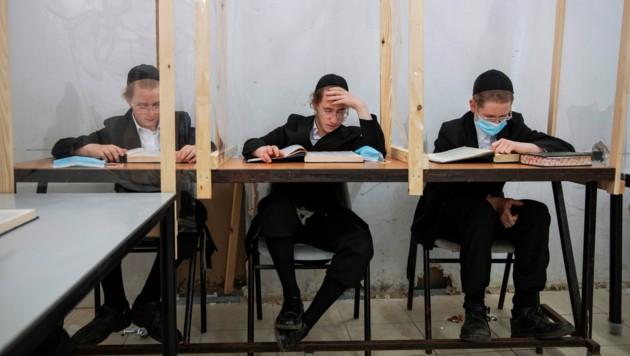 Die ultra-orthodoxe Gemeinschaft in Israel wurde von der Corona-Pandemie besonders hart getroffen.