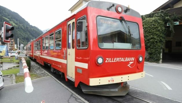 Derzeit benötigt die Bahn für die Strecke Jenbach bis Mayrhofen 55 Minuten. Die neue wäre zehn Minuten schneller.