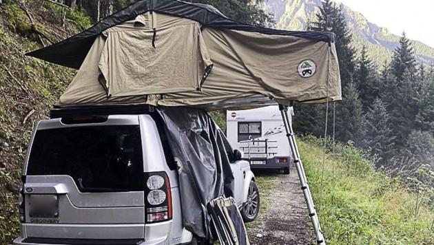 Mit neuester Camping-Technik wird der schmalste Almweg zum geräumigen Schlafzimmer.