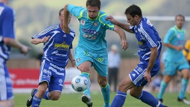 Das bisherige Highlight des TSV St. Johann: Das Cup-Duell gegen Sturm 2009, als Hupf (re.) und Co. den Grazern erst nach Verlängerung unterlagen.