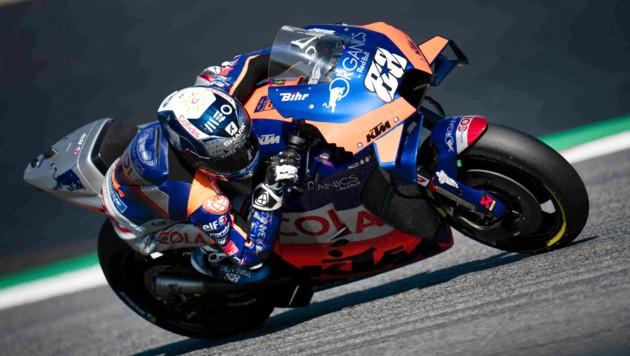 Mit den Erfolgen in der MotoGP - hier Miguel Oliveira, der zuletzt den Grand-Prix in Spielberg gewann - unterstreichen die Mattighofener ihre Stärke auf der Straße. Das treibt die Nachfrage zusätzlich.