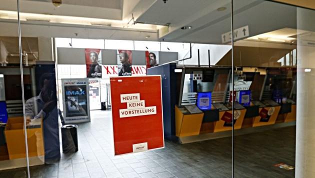 Die Eingangstüren bleiben zu, die Kassen geschlossen: Bereits nach der letzten Vorstellung am Wochenende wurde das Kino komplett geräumt. (Bild: Tschepp Markus)