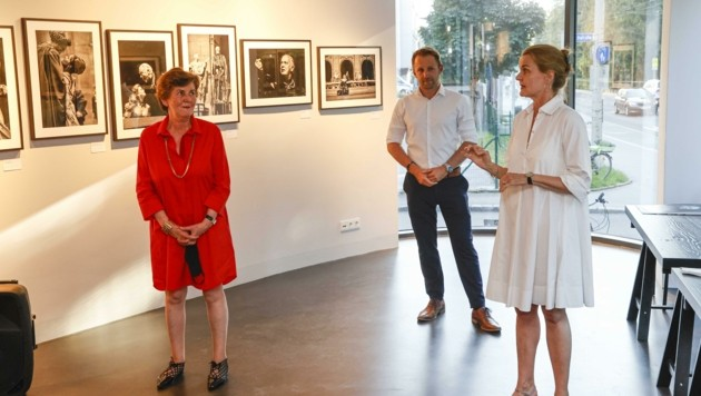 Helga Rabl-Stadler, Christoph Anrather, Leica-Galerie-Chefin Karin Rehn-Kaufmann. (Bild: Tschepp Markus)