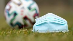 Corona hat den Amateurfußball weiter im Griff (Bild: GEPA)