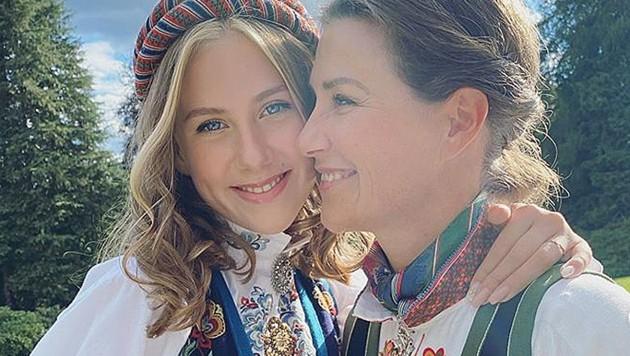 Prinzessin Märtha Louise mit ihrer hübschen Tochter Leah Isadora (Bild: instagram.com/iam_marthalouise)