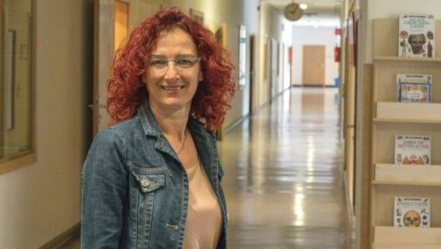 Petra Kapeller, Direktorin NMS Kirchdorf, hat angeregt, dass jeder Schüler auch ein Faceshield hat.