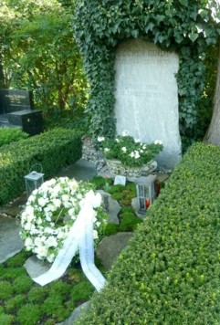 Die Grabstätte von Jochen Rindt aufgenommen am Mittwoch, 2. September 2020, in Graz. (Bild: APA/ANDREAS STANGL)