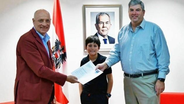 Botschafter Weiss mit den Nachfahren jüdischer Vertriebener in Washington (Bild: Austrian Embassy)