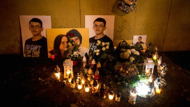 Ein Bild des ermordeten Enthüllungsjournalisten Jan Kuciak, der gemeinsam mit seiner Verlobten am 21. Februar 2018 erschossen wurde (Bild: AFP)