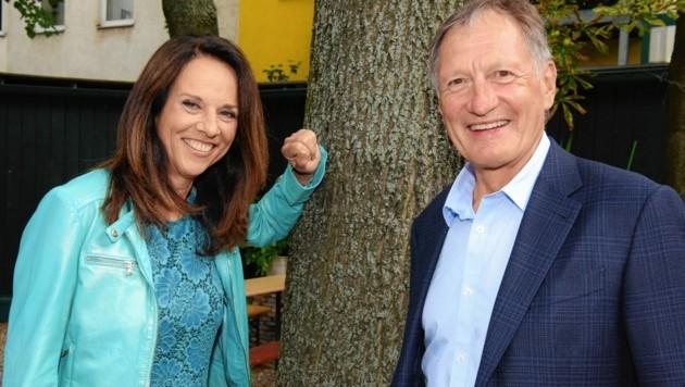 Vera Russwurm mit Ex-Skirennläufer und Olympionike Franz Klammer (Bild: ORF)