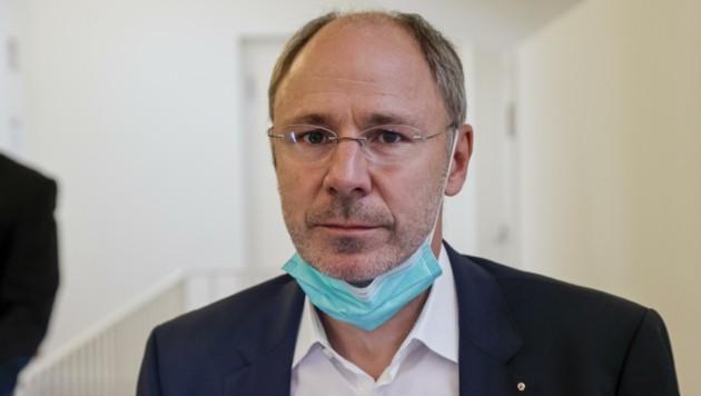 Eltern-Vertreter Stefan Rieder beantragte ein neues Gutachten (Bild: Tschepp Markus)