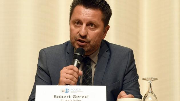 Einsatzleiter Robert Gereci (Bild: APA/dpa/Roberto Pfeil)