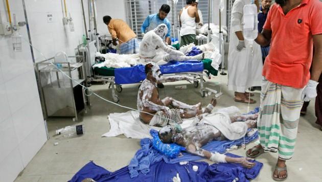 40 Verletzte mussten mit zum Teil schweren Verbrennungen im Spital behandelt werden. (Bild: AP)