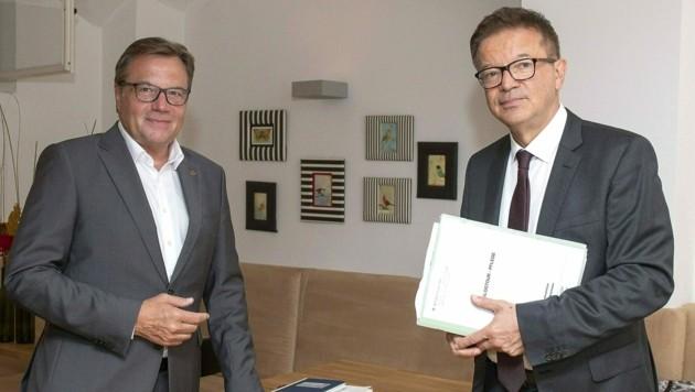 Landeshauptmann Platter und Gesundheitsminister Anschober trafen sich nach der ersten Ampel-Schaltung zu einem rund dreistündigen Arbeitsgspräch. (Bild: Land Tirol)