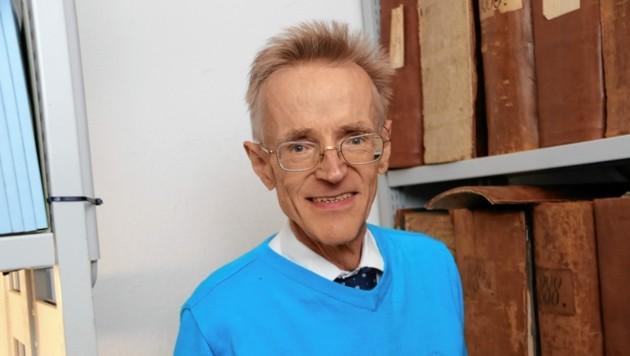 Alois Kernbauer, Professor für Wissenschaftsgeschichte, leitet seit 1993 das Universitätsarchiv.