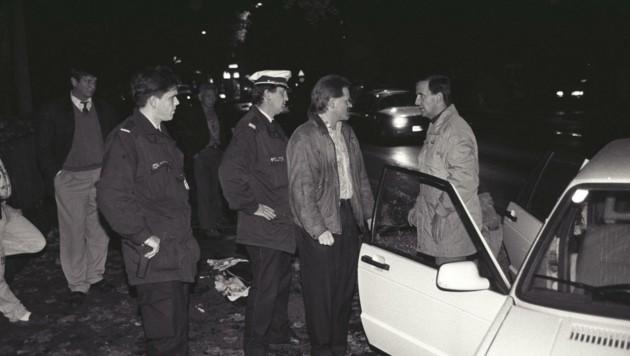 Die Bilder zeigen Ermittlungen zum mysteriösen Mord von Wilhelm S. Er wurde 2004 tot im Mirabellgarten gefunden. (Bild: Gernot Huemer)
