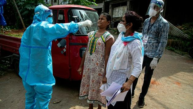 Die Zahl der nachgewiesenen Corona-Infektionen in Indien hat nun die Vier-Millionen-Marke überschritten.