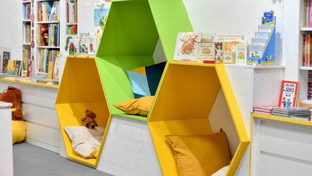 Für die Kinder wurde eine eigene Leseecke eingerichtet. (Bild: Harald Dostal)