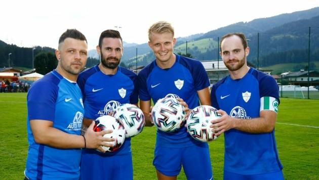 Die vier Flachauer Torschützen (von links nach rechts): Roland Kugler, Peter Kuzma, Ferdinand Stadler und Kapitän Lukas Oppeneiger.