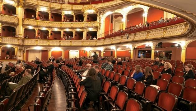 In der Grazer Oper werden die Sitzplätze im Schachbrettmuster verkauft (Bild: Oliver Wolf)