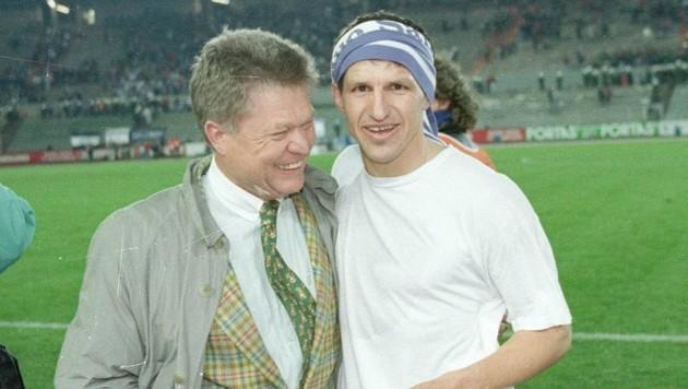 Leo Lainer (re.) mit dem ehemaligen Präsidenten der Salzburger Austria, Rudi Quehenberger (Bild: krugfoto/Krug Daniel sen.)