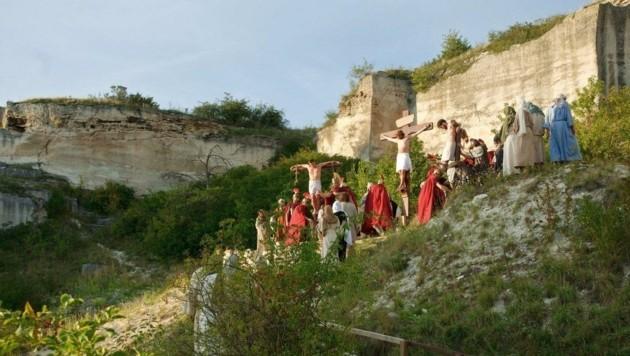 Seit 1926 finden im Schnitt alle fünf Jahre die Passionsspiele im Römersteinbruch in Sankt Margarethen statt. Heuer will der Spielleiter mit einer neuen Inszenierung überraschen. (Bild: Honorar)