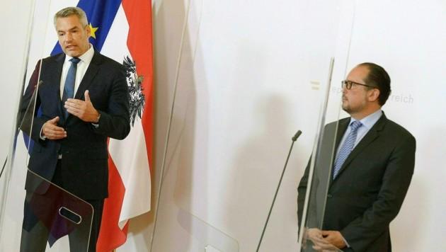 Innenminister Nehammer und Außenminister Schallenberg (beide ÖVP) lehnen die Aufnahme von Migranten aus Griechenland weiter strikt ab.