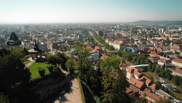 Der Blick auf die Stadt ist vom Museum aus grandios! (Bild: Sepp Pail)