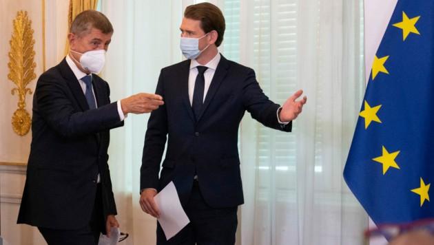 Kurz und Babis wollen die Zusammenarbeit zwischen Österreich und Tschechien künftig verstärken. (Bild: AFP )