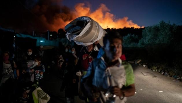 Erneut sind im griechischen Flüchtlingscamp Moria Feuer ausgebrochen. (Bild: AP/Petros Giannakouris)