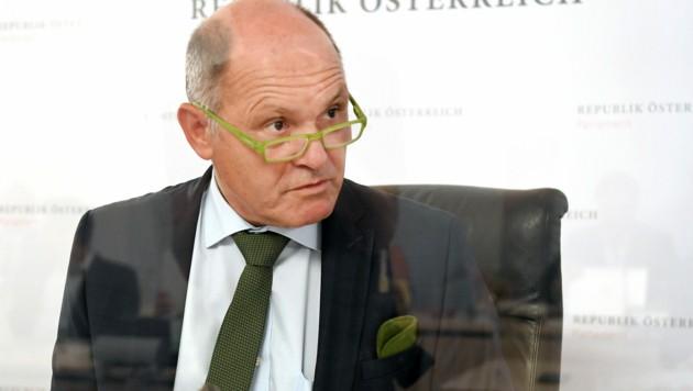 Der Ausschuss-Vorsitzende Wolfgang Sobotka (Bild: APA/ROLAND SCHLAGER)