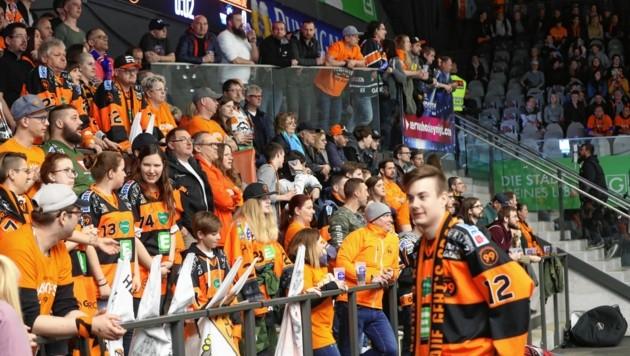 Zumindest 1500 Fans der 99ers dürfen wieder in die Eishalle (Bild: Sepp Pail)