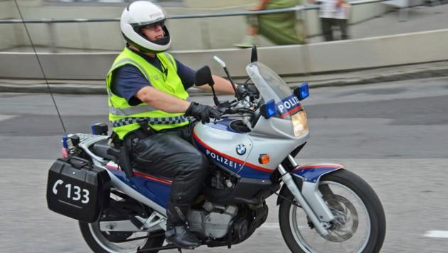 Polizei Motorradstreife (Symbolbild) (Bild: Wolfgang Spitzbart. .)