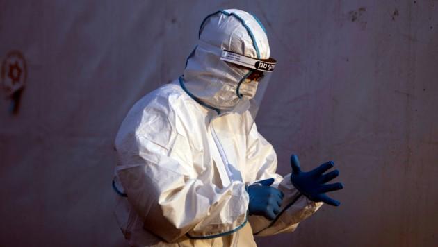 Israel wird wohl als erstes Land der Welt zum zweiten Mal einen Lockdown verhängen, um eine weiterhin massive Ausbreitung des Coronavirus zu verhindern. (Bild: AP/Ariel Schalit)