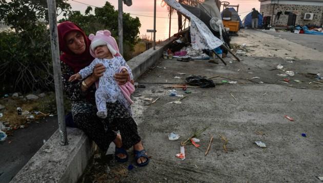 Wirklich menschenunwürdig: Die Situation der Flüchtlinge auf der griechischen Insel Lesbos ist verheerend. (Bild: AFP/LOUISA GOULIAMAKI)