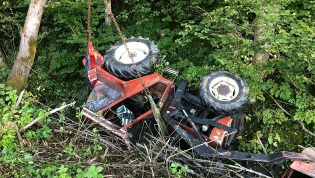 Immer wieder kommt es zu Traktorunfällen (Symbolbild) (Bild: FF Arnoldstein)