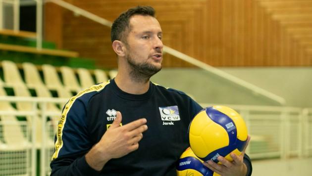 Seit Anfang September arbeitet Jarek Pizunski wieder mit den Volleyballern des VC Wolfurt. (Bild: Maurice Shourot)