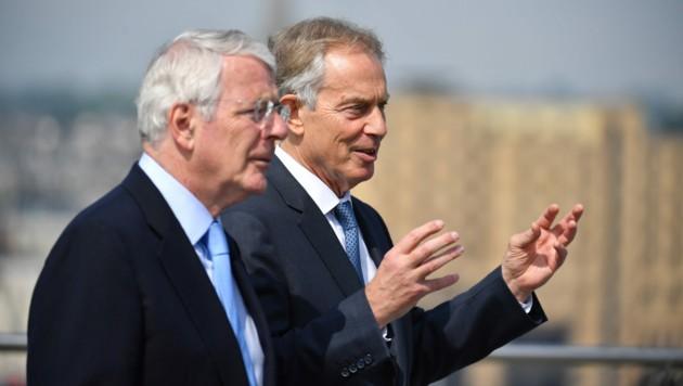 Obwohl John Major (links) den regierenden Konservativen angehört, und Tony Blair (rechts) der oppositionellen Labour-Partei, sind sich die beiden bei der Kritik am umstrittenen Brexit-Deals einig. (Bild: AFP/Jeff J Mitchell)