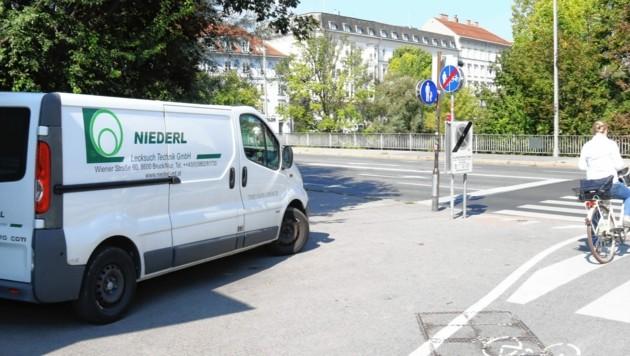 An der Tegetthoffbrücke in Graz wurden erhöhte Gaswerte gemessen. (Bild: Christian Jauschowetz)