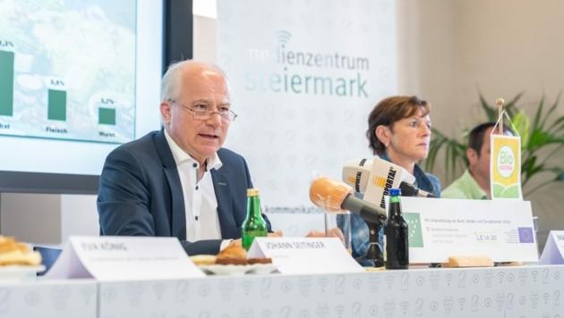 Landesrat Johann Seitinger und Maria Pein von der steirischen Landwirtschaftskammer. (Bild: steiermark.at/Streibl)