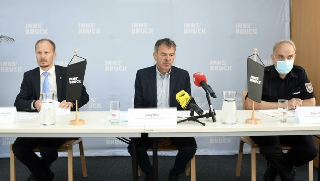 Vize-BM Anzengruber, BM Willi, Landeseinsatzleiter Rizzoli (v. li.) (Bild: Andreas Fischer)