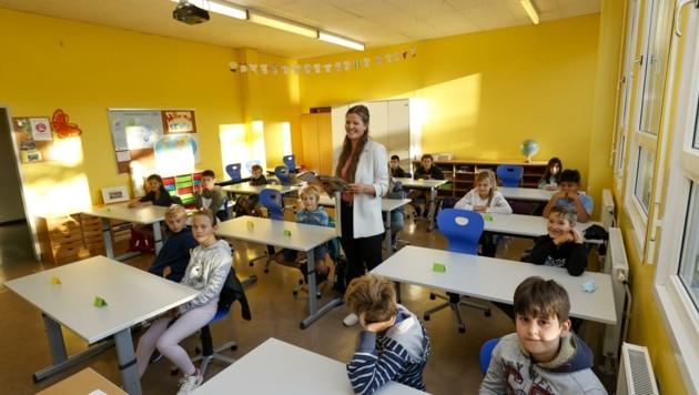 n der Volksschule Hallein Neualm wurden den Schülern die Regeln erklärt. (Bild: Tschepp Markus)