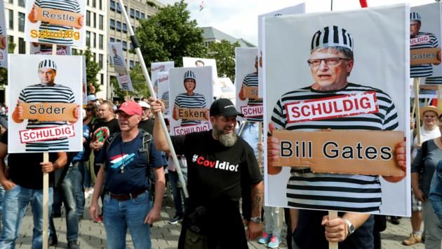 Bill Gates ist immer wieder Mittelpunkt absurder Verschwörungstheorien. (Bild: AP)