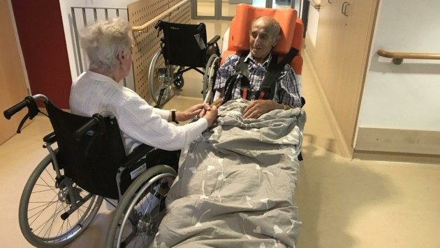 Die beiden Senioren waren überglücklich. (Bild: Rollende Engel)