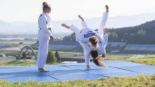 """Steiermarks Judo-Asse beim """"malerischen"""" Training auf dem Gelände des Red Bull Ring in Spielberg. (Bild: Sebastian Kreuzberger/Judo Austria)"""