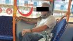 Dieser Mann sorgte für jede Menge Unterhaltung im Bus nach Manchester. (Bild: twitter.com)