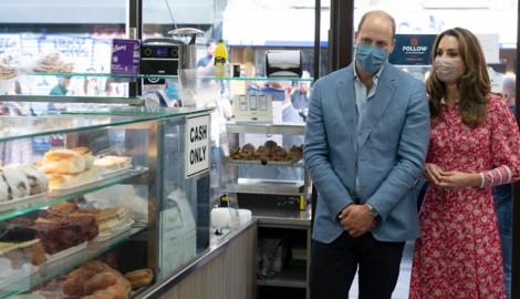 Prinz William und Herzogin Kate bei einem Termin in einer Londoner Bäckerei (Bild: AP)