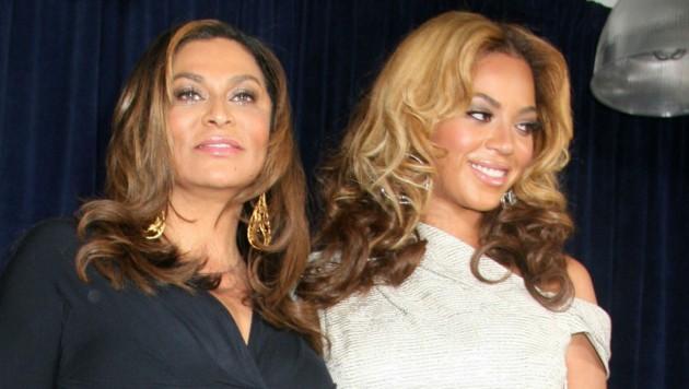 Beyonce mit ihrer Mutter Tina Knowles