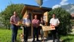 Am Köchlerhof in Buch: Bezirksbauernobmann Hannes Partl, Landesobmann Josef Geisler, Günther und Monika Köchler, Bauernbunddirektor Peter Raggl (v. li.) (Bild: ZOOM.TIROL)